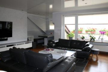 Vierzimmerwohnung in Top-Zustand mit Garage und Stellplatz – provisionsfrei für den Käufer, 40764 Langenfeld (Rheinland), Dachgeschosswohnung